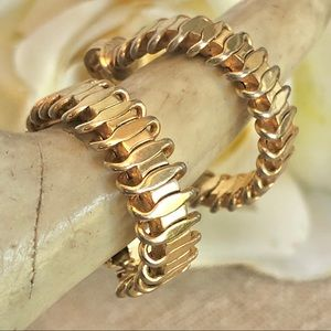 Sarah Coventry Vintage Goldtone Hoop Clip Earrings